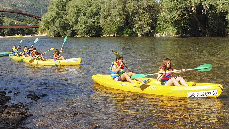 Descenso canoas familia